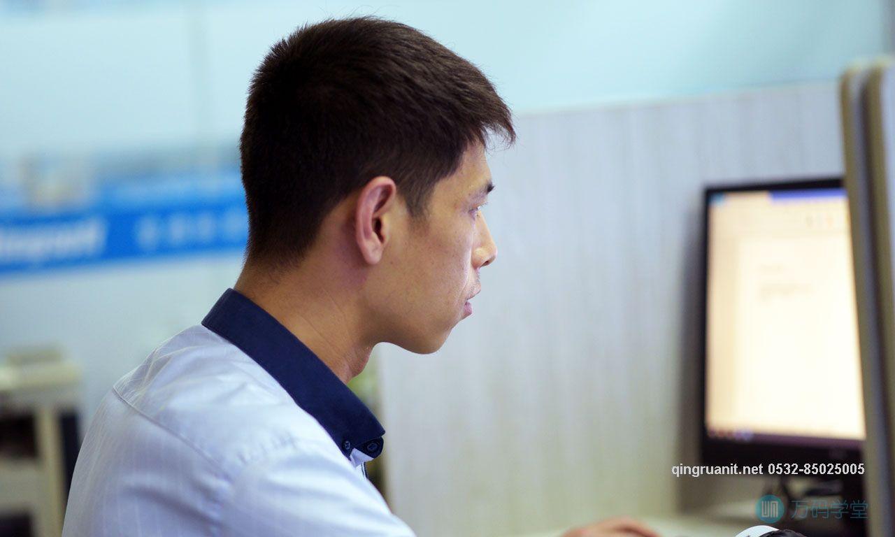 袁老师[日活百万流量站长]-Java培训,做最负责任的教育,学习改变命运,软件学习,再就业,大学生如何就业,帮大学生找到好工作,lphotoshop培训,电脑培训,电脑维修培训,移动软件开发培训,网站设计培训,网站建设培训
