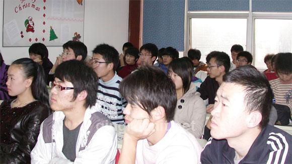 德国专家徐宁做职业发展讲座-计算机培训,Java培训学校,免费Java培训,大学生就业培训,平面设计培训,网页设计培训,美工培训,游戏开发,动画培训